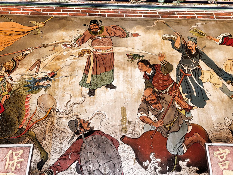 viele Gemälde zieren hier die Wände