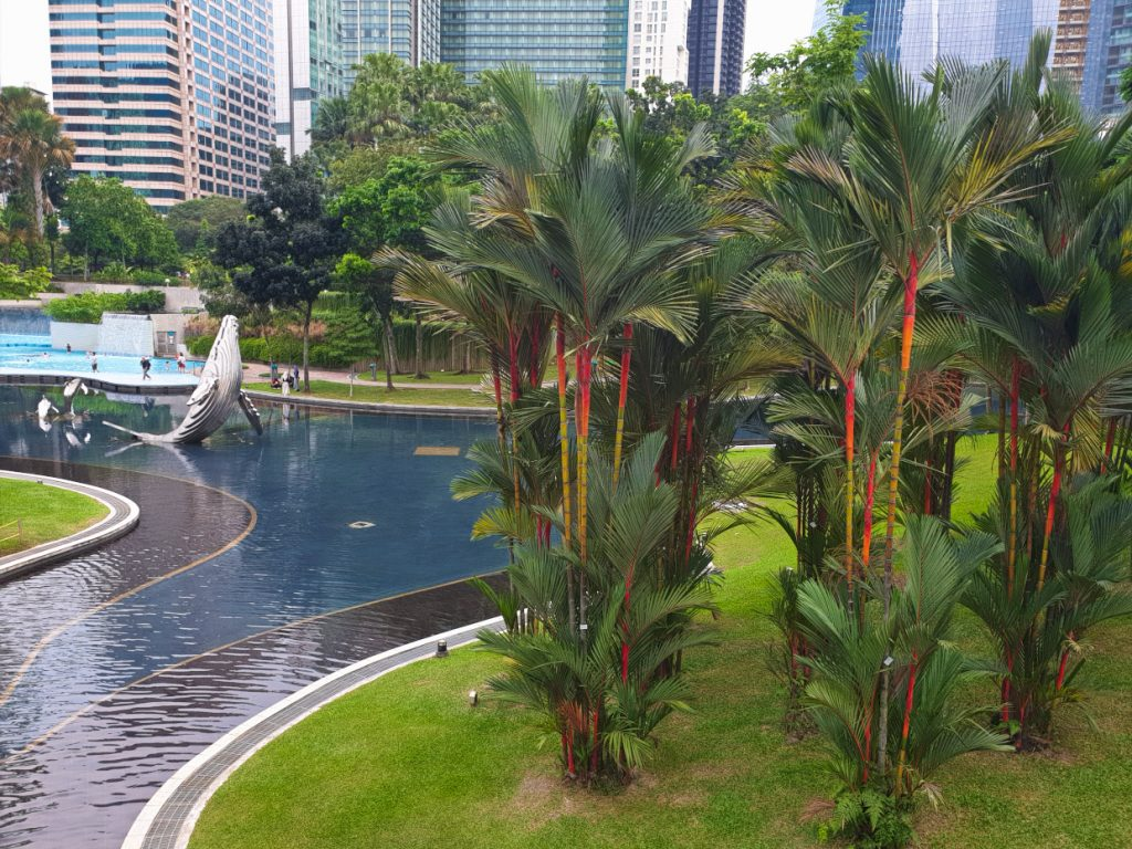 Kids can even go swimming at KLCC Park 2.Sehenswürdigkeiten in Kuala Lumpur