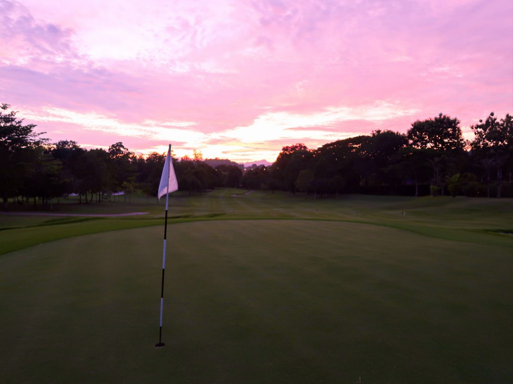 There is nothing better than sunset golf!