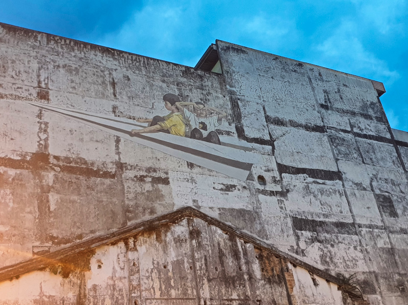 Ipoh Mural - A paper plane