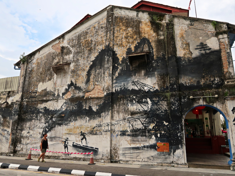 You will find murals everywhere in Ipoh