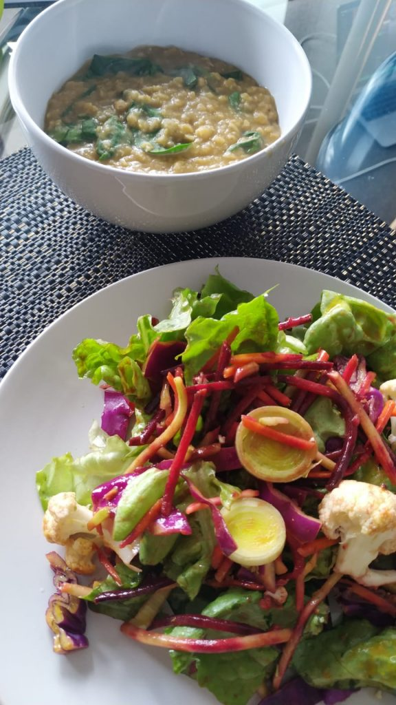 Lentaldahl with Salad