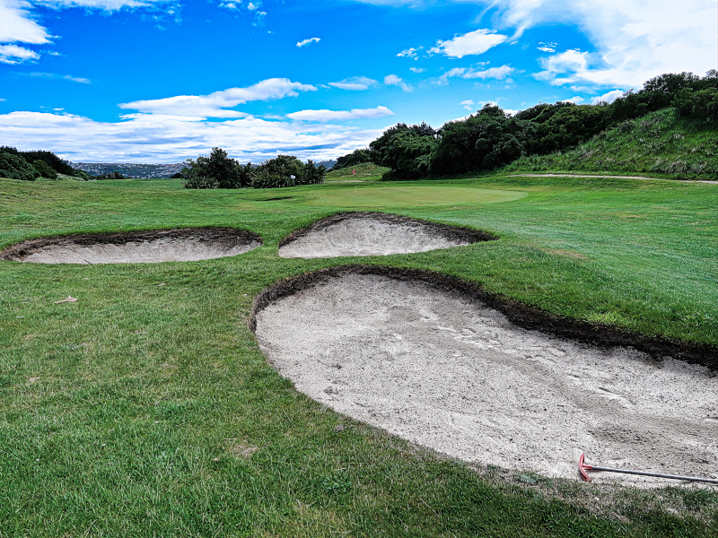 Bunkers on Downhill at Chisholm Links Golf Club