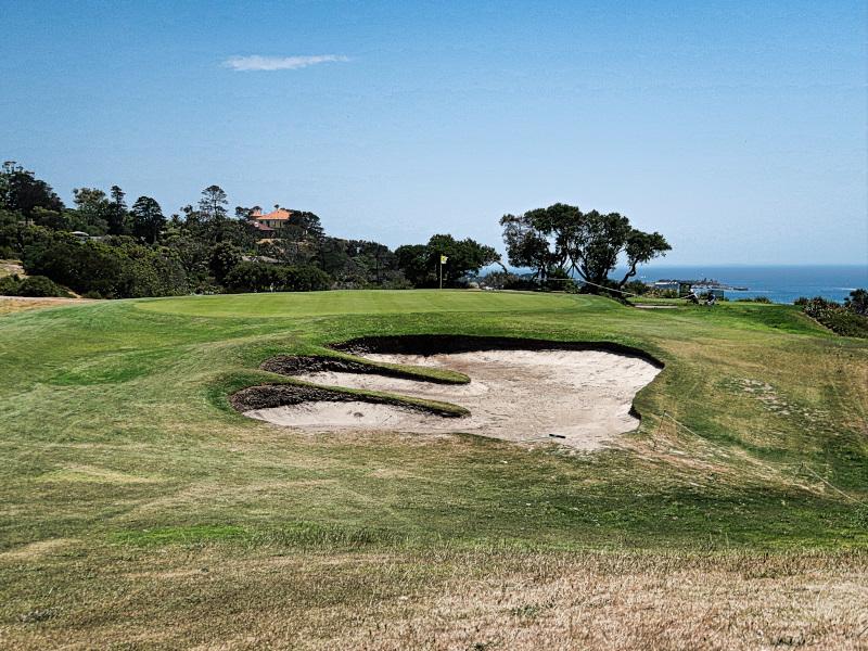 The fifteenth green at Mornington Golf Club
