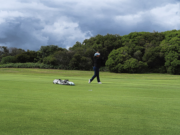 Approach shot on thirteen at The New South Wales Golf Club