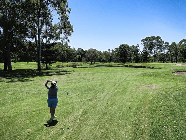 Menekse on her way to par on Thirteen at Virginia Golf Club