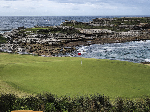 The sixth green at The New South Wales Golf Club