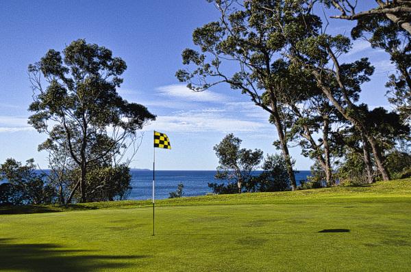 The ninth green at Mollymook Golf Club