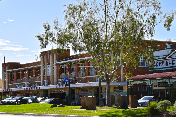 Highlight in Winton: The Northern Gregory Hotel