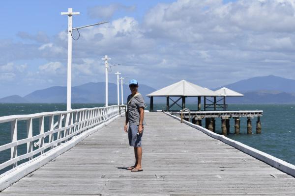 Stroll at Picnic Bay