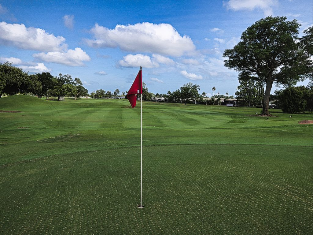 View of the opening green at Darwin Golf Club
