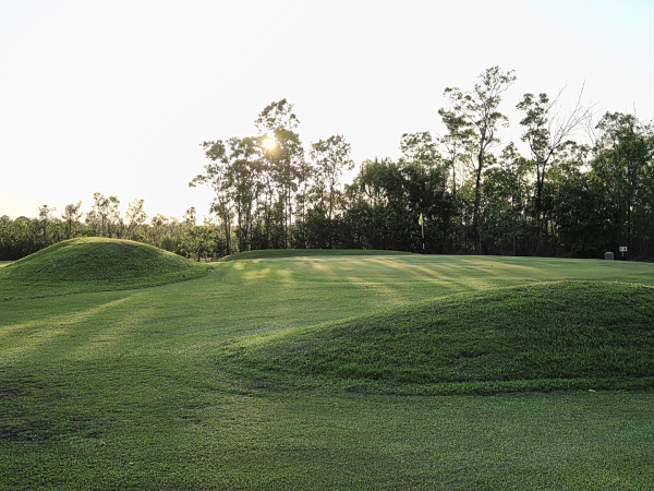 Mounding on 8 at Humpty Doo and Rural Area Golf Club