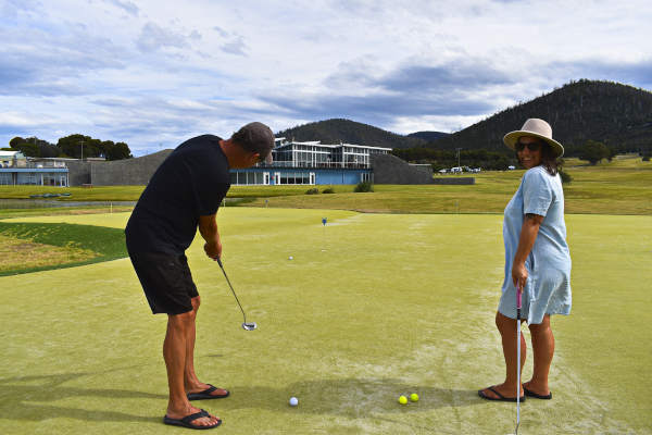 White Sands Putting Green