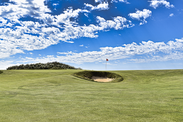 Pot bunkers on the first at Cape Wickham Golf Links