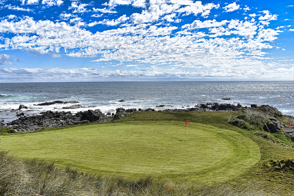 The eleventh green at Cape Wickham Golf Links