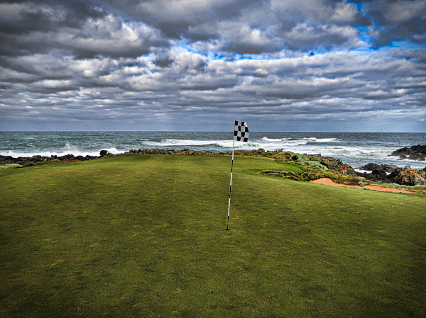 The green on Disphyma at Ocean Dunes Golf Course
