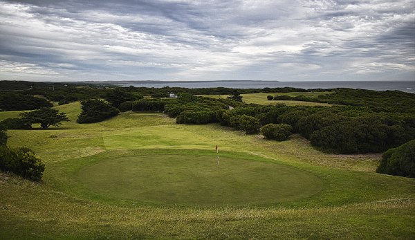 Clubhouse view at King Island Golf and Bowling Club