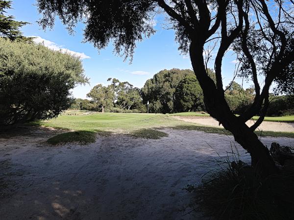 The postcard perfect tenth at Kingston Heath Golf Club