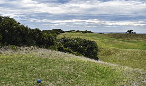 The second tee at King Island Golf and Bowling Club